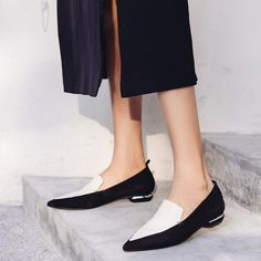 Shop the latest women shoes flats shoes at Chiko Shoes in wide variety of styles including ballerina, flats loafers, flats sandals, flats mules and sandals. Mules Shoes, Loafer Shoes, Pumps Heels, Travel Shoes, Vegan Shoes, Clearance Shoes, Trendy Shoes, Cheap Shoes, Luxury Shoes