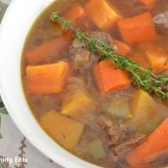 Beef and Sweet Potato Stew Slimming Eats Recipe Serves 4 Extra Easy – 1 syn per serving Ingredients of lean stewing beef (trim any visible fat) 2 large carrots, chopped 1 large onion, chopped 3 sticks of celery, chopped 2 cloves of garlic, crushed 1 Turnip Recipes, Beef Recipes, Healthy Recipes, Slimming Eats, Slimming World Recipes, Instant Pot Pressure Cooker, Pressure Cooker Recipes, Stewed Potatoes, Eating Eggs