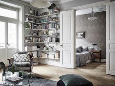 Swedish apartment of Stylist Johanna Bradford I Photo by Anders Bergstedt I Entrance