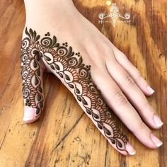 Collection of creative & unique mehndi-henna designs for girls