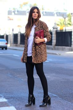 Los zapatos de charol son el must have de la temporada. úsalos de acuerdo al look y estilo que más te guste y brilla mientras caminas con este estilo retro. http://www.liniofashion.com.co/linio_fashion/zapatos-mujeres?utm_source=pinterest&utm_medium=socialmedia&utm_campaign=COL_pinterest___fashion_zapatosdecharol_20141212_17&wt_sm=co.socialmedia.pinterest.COL_timeline_____fashion_20141212zapatosdecharol.-.fashion