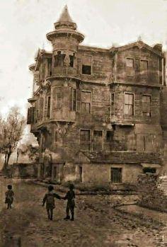 Yeşilköy den malesef günümüz e kalmayan 1800lu yıllara ait bir yapı rus mimarisi.