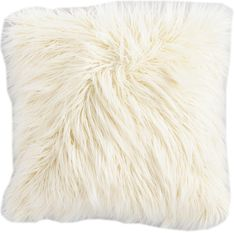Elevate your space with boutique store style without the price tag. Our generously sized throw pillow mimics the sumptuously soft look and feel of Mongolian lamb's wool in a chic ivory hue. Fur Pillow, Fur Throw Pillows, Faux Fur Throw, Couch Pillows, Cream Cushions, Fluffy Cushions, Japanese Bedroom, Cute Blankets, Skull Wallpaper