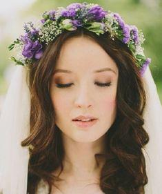 46 Romantic Wedding Hairstyles with Flower Crown + DIY Tutorials - Belleza Bridal Makeup Looks, Wedding Hair And Makeup, Bridal Beauty, Hair Makeup, Eye Makeup, Bride Makeup, Hair Wedding, Diy Flower Crown, Flower Crown Hairstyle