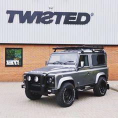 Land Rover Defender 90 Td4 Sw Se- TWISTED edition.