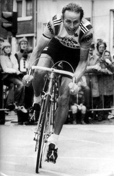 joop zoetemelk Wielrenner door een bocht tijdens de Tour de France