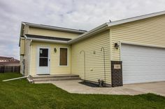 Open House on Sunday! 3483 Eagle Run Lane, West Fargo, ND Sunday November from Call the FM Team at for more information! FM Team of Keller Williams Roers Realty 200 St S Fargo ND 58103 Find Property, Property For Sale, West Fargo, Back Deck, Fenced In Yard, Land For Sale, Skylight, Open House, Townhouse