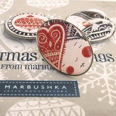 Marbushka - Tea Time kitűző Tea Time, Sugar, Desserts, Food, Tailgate Desserts, Deserts, Essen, Postres, Meals