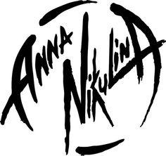 Anna Nikulina – profesionální trenérka Pole Dance, strečink, akrobacie na závěsném kruhu - Webový portál LadyPraha