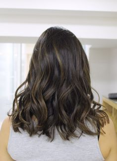 #cabelo #cabelos #hair #morenasiluminadas #morena #morenas #morenailuminada #luzes #highlights #ombre #ombrehair #brunette #balayage #natural #naturalhair #bayalage #modaboho #warm #cabelonatural #babylights #blonde #brown #caramel #castanho #mechas #hippie #honey #curly #castanhoiluminado #boho