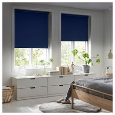 FYRTUR Blackout roller blind - wireless, battery operated gray (CA) - IKEA Kit Homes, Roller Cortinas, Kits Pour La Maison, Catalogue Ikea, Electric Blinds, Home Interior, Interior Design, Nordic Interior, Home Interiors