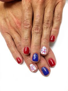 What Christmas manicure to choose for a festive mood - My Nails July 4th Nails Designs, 4th Of July Nails, Nail Designs, Usa Nails, Firework Nails, Patriotic Nails, Gel Nagel Design, Blue Nails, Chevron Nails