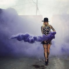 This looks so surreal and mesmerizing photo by: model: Creative Portraits, Creative Photography, Portrait Photography, Rauch Fotografie, Smoke Bomb Photography, Smoke Art, Colored Smoke, Foto Casual, Festival Looks