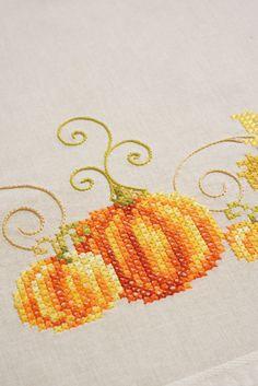 embroidery, cross stitch, vervaco, lanarte, pumpkin, orange, tablecloth