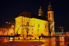Church by night2