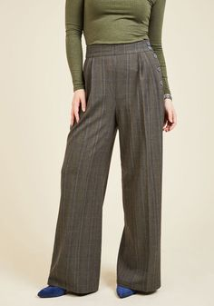 For your busiest days, you have an agenda in place that begins with these grey plaid trousers. The high waistline and pleated, wide legs of this vintage-inspired pair kickstart your confidence, while their glossy buttons and touches of muted blue prime your focus to tackle your task list!