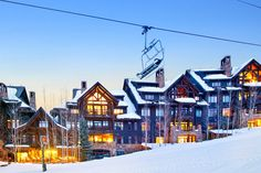 Find yourself in the lap of luxury—and at the base of the Bachelor Gulch ski lift—at Snowcloud. This incredible Vail Valley vacation rental features mountain views, a slopeside setting and access to the five-star amenities at the nearby Ritz-Carlton hotel and spa.