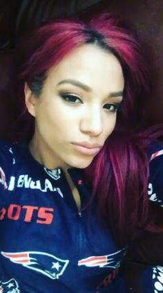 When it is NFL games season, Sasha Banks (WWE Diva) will wear something of the New England Patriots female attire. The Boss Wwe, Wwe Raw, Mercedes Kaestner Varnado, Black Wrestlers, Wwe Sasha Banks, Wwe Girls, Raw Women's Champion, Wrestling Divas, Wwe Womens