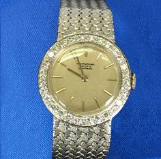 Montre International watch manufacturée à Schaffhausen, Suisse. En or blanc 18k, elle est décorée de 28 diamants pour un total de 0.56 ct Bracelet Watch, Watches, Bracelets, Accessories, White Gold, Switzerland, Contemporary, Watch, Wrist Watches