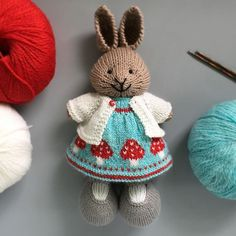 When I saw the pattern by I had to convert it to a bunny dress. Though the socks are knit cuff down the chart worked perfectly when flipped for knitting bottom up on the little dress. Knitted Bunnies, Knitted Animals, Knitted Dolls, Crochet Dolls, Knit Crochet, Crochet Hats, Knitting For Kids, Knitting Projects, Baby Knitting