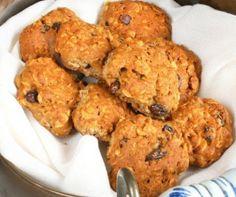 Egy finom Zabpelyhes-gyümölcsös cookies ebédre vagy vacsorára? Zabpelyhes-gyümölcsös cookies Receptek a Mindmegette.hu Recept gyűjteményében!