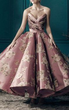 This **Mark Bumgarner** Scarlett Floral Ballgown features a strapless sweetheart neckline with a velvet bodice and a full midi skirt. Mark Bumgarner, Debut Gowns, Full Midi Skirt, New Look Fashion, Formal Gowns, Beautiful Gowns, Pretty Dresses, Dress To Impress, Shopping