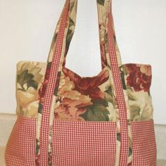 Free Pattern to Create a Two Tone Fabric Hand Bag with Pockets: Printable Text for Free two Tone Handbag Pattern