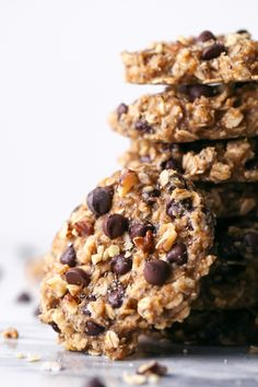 These cookies are wholesome enough for breakfast, yet delicious enough for dessert! Gluten, dairy, and refined sugar free, plus vegan friendly too! Sin Gluten, Gluten Free, Dairy Free, Breakfast On The Go, Keto Meal Plan, Superfood, Cookies Vegan, Healthy Banana Cookies, Healthy Breakfast Cookies