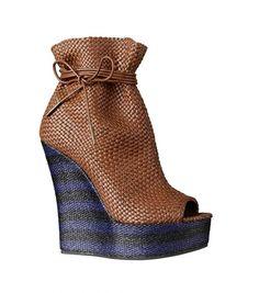66a44f00f6 S S 2012 woman s shoe designer Burburry