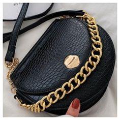 Wallet, Chain, Bags, Fashion, Handbags, Moda, Fashion Styles, Necklaces, Fashion Illustrations