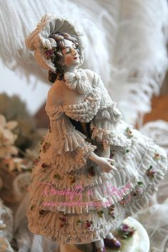 *DRESDEN VOLKSTEDT ~ Porcelain figurine made in Thuringa, Germany, by : Georg Heinrich Macheleid, in 1760.
