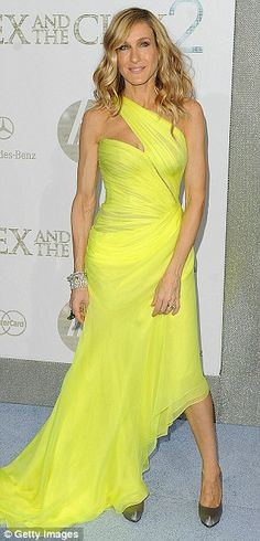 "Sarah Jessica Parker in Valentino Spring 2010 Couture at the N.Y. premiere of ""Sex and the City 2"", May 2010"