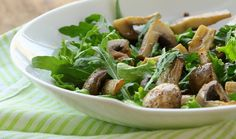 Step outside and fire up the grill for these six fall grilling recipes. Sopa Detox, Winter Salad Recipes, Warm Salad, Fennel Salad, Cleanse Recipes, Grilling Recipes, New Recipes, Stuffed Mushrooms, Fast Recipes