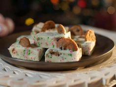 Trisha Yearwood Milk and Cookies Fudge Recipe from Food Network Holiday Desserts, Holiday Baking, Christmas Baking, Holiday Recipes, Christmas Cookies, Christmas Candy, Christmas Treats, Holiday Foods, Christmas Stuff