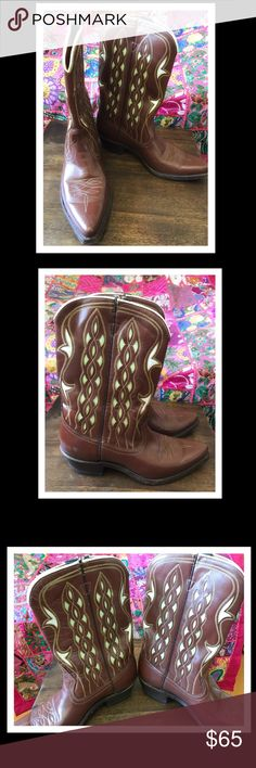 ☮️VINTAGE WOMEN'S ACME COWBOY BOOTS sz 5 1/2C✌️USA ☮️VINTAGE 70's WOMEN'S ACME COWBOY BOOTS sz 5 1/2C☮️ PERFECT FOR ALL YOU FESTIVAL/COACHELLA GIRLS✌️ BOOTS HAS SOME SCUFFS IN THE FRONT TOE (pictured) AND SOLES ARE STILL IN TACT! BEAUTIFUL DETAIL WITH LIGHT SEA FOAM GREEN INSET. MADE IN USA 🇺🇸 THESE BOOTS HAS LOTS OF LIFE IN THEM...PLEASE SEE PHOTOS! THANK YOU FOR YOUR INTEREST😉 ACME Shoes Heeled Boots