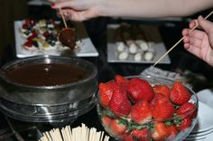 "Party Food Trend - ""Grab & Go"" and Interactive Desserts - mazelmoments.com"