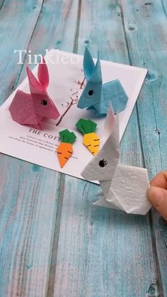 DIY Cute Easter Bunny - strawberry : DIY Cute Easter Bunny - DIY Cute Easter Bunny DIY Cute Easter Bunny,kids crafts crafts for kids etc Easter will be coming, hope everyone is healthy. Use paper to make an easter bunny. save it, try to do it. Diy Crafts Hacks, Diy Arts And Crafts, Fun Crafts, Crafts For Kids, Paper Crafts Origami, Origami Art, Bunny Origami, Paper Crafting, Spring Crafts