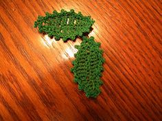 Learn to make elm leaf motifs...and have a little picture fun too! #crochet #where'swaldo? #leafmotif