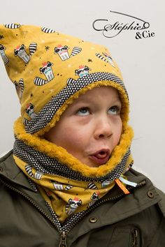 Couture Bonnet Enfant facile #couture #bonnet #enfant #tuto #diy #sewingpatterns #sewingprojects #easy #facile #debutant #polaire #coton #patchwork #chutetissu #fashion #snood Christmas Toilet Paper, Paper Christmas Decorations, Diy Crafts To Do, How To Make Diy, Halloween Mason Jars, Embroidered Clothes, Cute Diys, Kids Boxing, Summer Diy