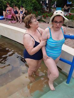 Látogatás a gyógyfürdőben Bikinis, Swimwear, Hats, Fashion, Bathing Suits, Moda, Swimsuits, Hat, Fashion Styles
