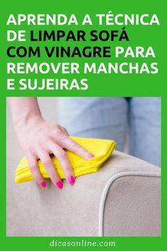 Limpar sofá com vinagre Diy Cleaning Products, Cleaning Hacks, Interior Design Living Room, Living Room Designs, Works With Alexa, Home Hacks, Clean House, Plastic Cutting Board, Helpful Hints