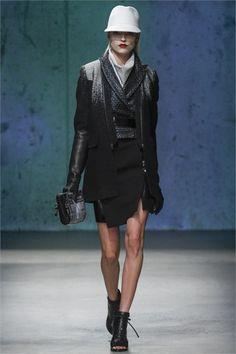 Sfilata Kenneth Cole Collection New York - Collezioni Autunno Inverno 2013-14 - Vogue