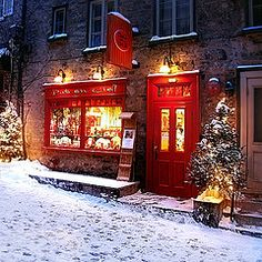 Old Town, Quebec City ~ our time there was magical (@ christmas time)
