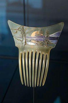 Hair comb 1905