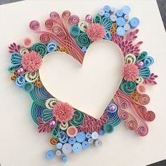 Examples of art quilling - Quilled Paper Art Arte Quilling, Paper Quilling Patterns, Origami And Quilling, Quilled Paper Art, Quilling Paper Craft, Paper Crafts, Quilling Ideas, Oragami, Quilling Tutorial