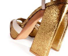 Zapatos con plataforma de 4 cm y taco de 12 cm.
