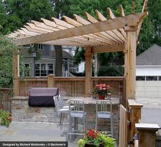 Fan-shaped corner pergola