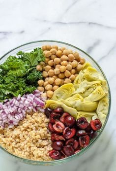 Super Summer Detox Salad. Something this good for you shouldn't taste this delicious! Made with cherries, kale, chickpeas, and other antioxidant rich foods