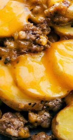 Crockpot Cheesy Potatoes & Sausage - girls especially liked it! Crock Pot Food, Crock Pot Potatoes, Crockpot Dishes, Crock Pot Slow Cooker, Pressure Cooker Recipes, Baked Potatoes, Crock Pot Sausage, Crockpot Meals Easy, Hamburger Crockpot Recipes