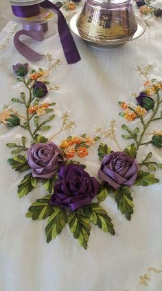 how to do silk ribbon embroidery Hand Embroidery Projects, Hand Embroidery Stitches, Machine Embroidery Patterns, Embroidery Ideas, Embroidery Letters, Ribbon Art, Fabric Ribbon, Ribbon Crafts, Ribbon Embroidery Tutorial